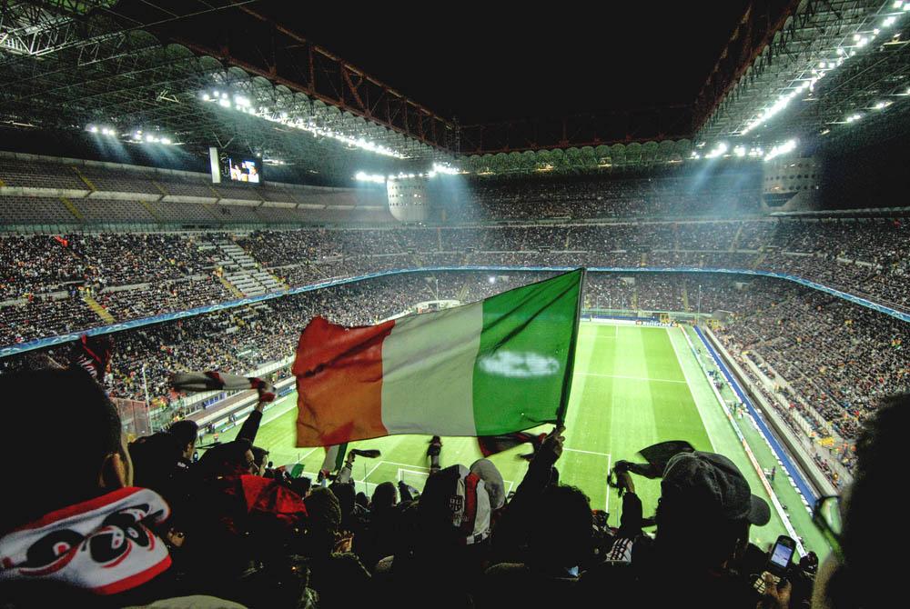 Estádio Giuseppe Meazza, Milão, Itália