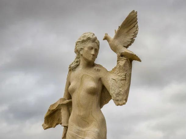 Afrodite (Deusa do Amor, Beleza, Prazer e Procriação)