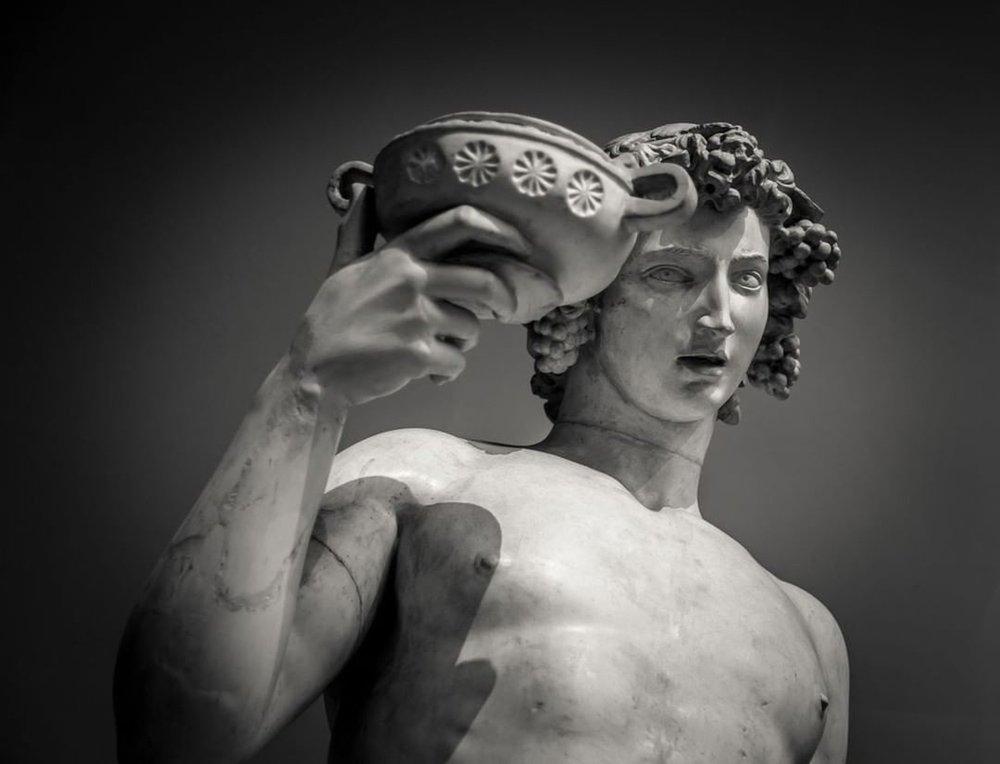 Dionísio (Deus do Vinho e do êxtase)