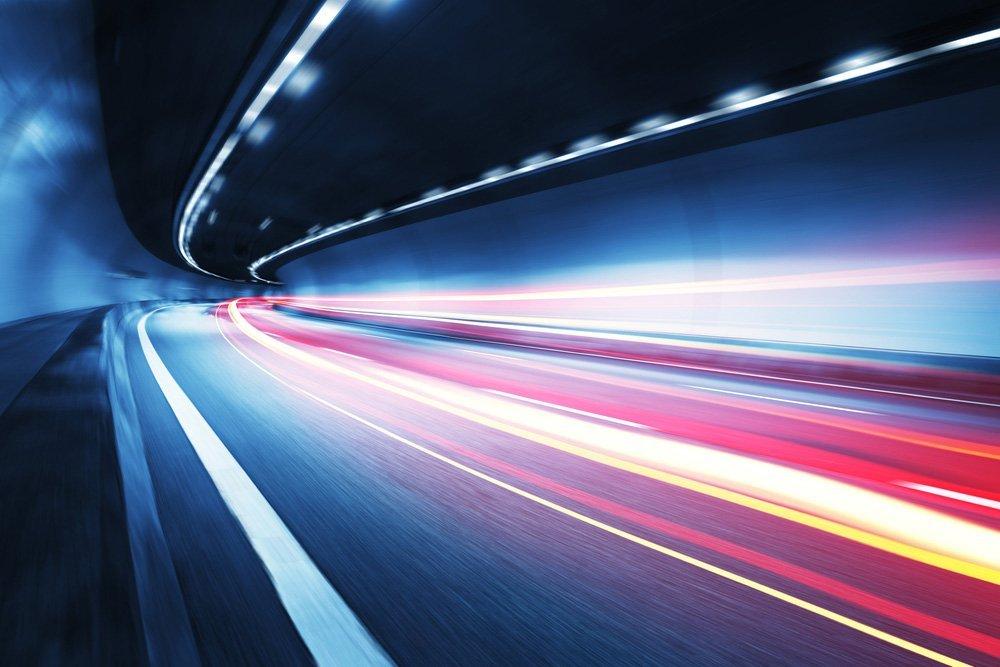 Como a velocidade da luz foi medida pela primeira vez