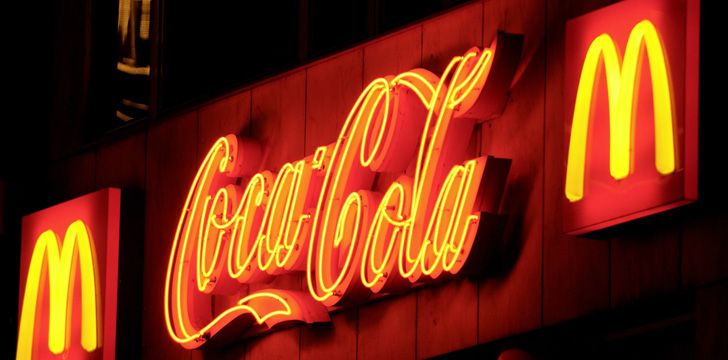 A Coca-Cola no McDonald's tem o melhor gosto.