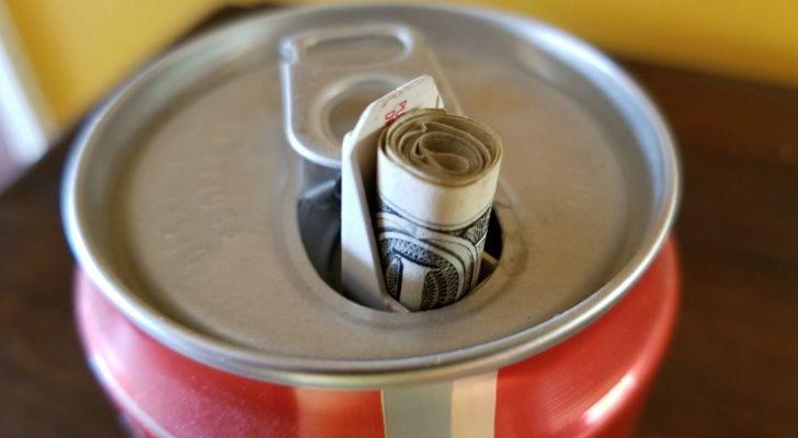 A Coca-Cola tinha uma campanha onde enchia as suas latas com misturas brutas.