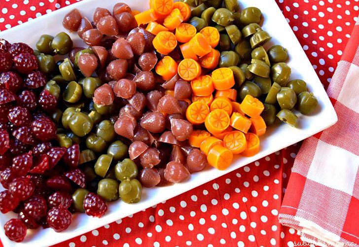Os aperitivos com sabor a fruta brilham por causa da cera de carro