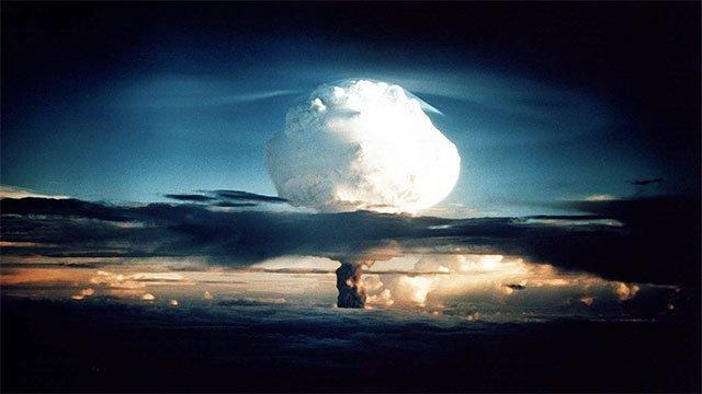 Primeira Explosão de Teste Nuclear