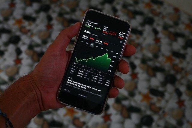 Ações sobem, S&P 500 e Nasdaq atingem altas recordes 1